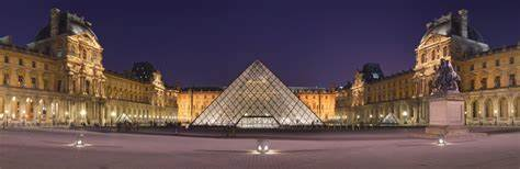 Louvre esterno
